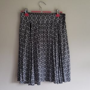 Solitaire A line Skirt- Size M